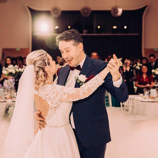 Cameraman de nunta la dansul mirilor