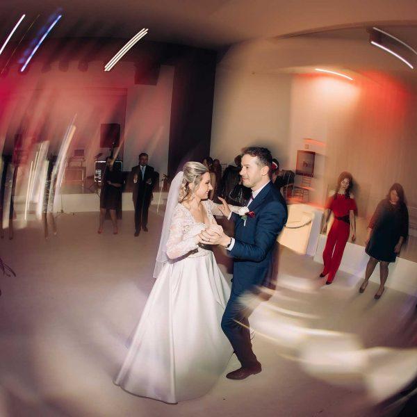 Dansul mirilor fotografie profesionista