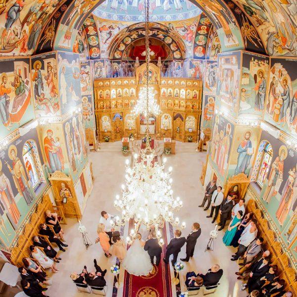 Fotografie din biserica la nunta