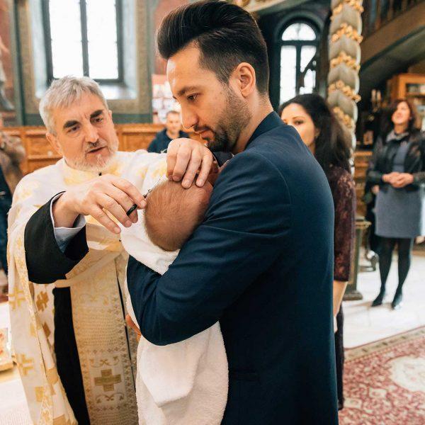 Fotografie tuns botez fetita
