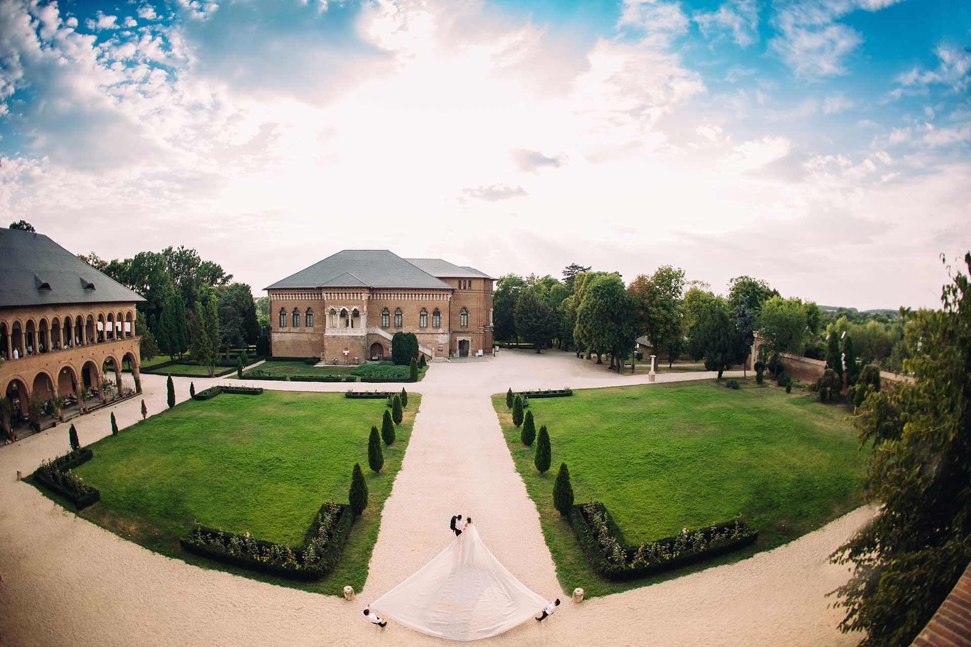 Ioana si Edwin sedinta foto Palatul Mogosoaia drona